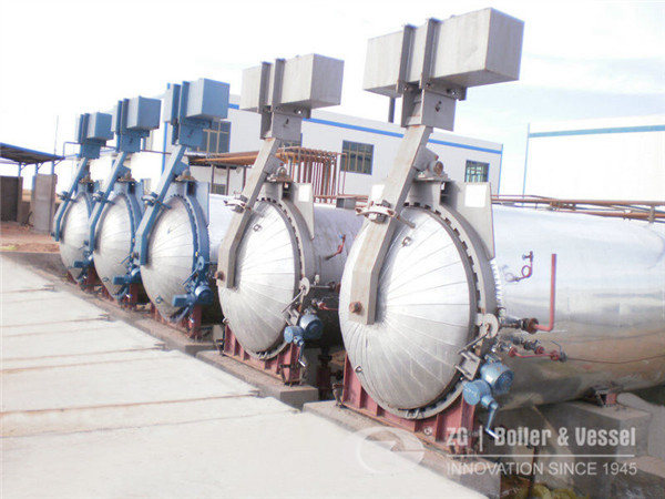Autoclave for wood processing